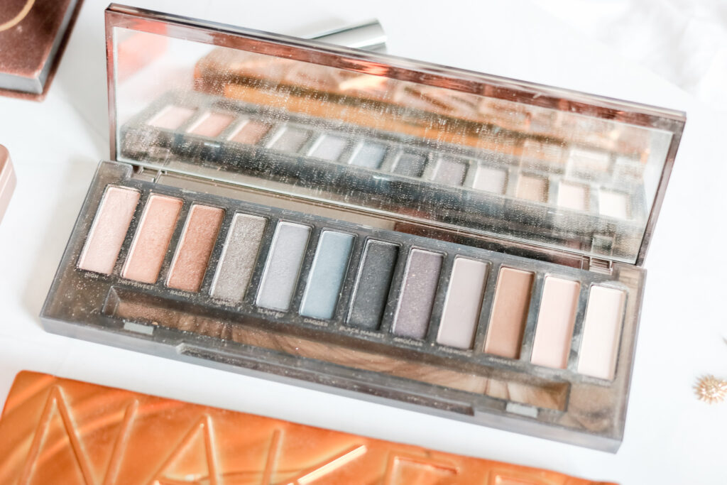 should I buy the naked smoky palette?