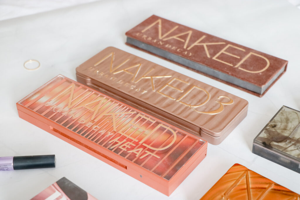 urban decay palettes lined up